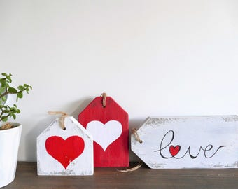 """Valentine's Day Rustic Wood Sign """"Love Tags"""""""