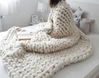 Size Large to XL, chunky merino wool blanket, arm knitted blanket, merino wool blanket, bulky blanket, extreme knitting