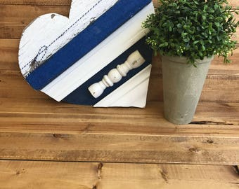 Baseboard heart navy blue and glitter