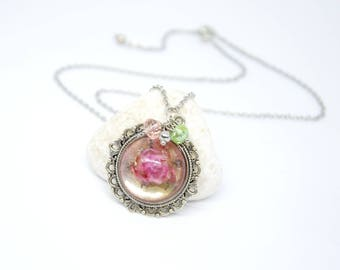 Necklace with Rose, Silver Necklace, Short Necklace, Round Necklace, Resin Cabochon with Rose, Necklace with Cabochon.