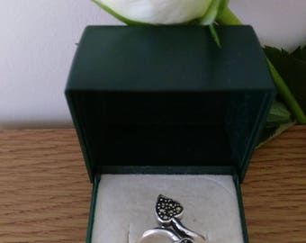 Unusual Vintage Sterling Silver Marcasite Ring.   Boxed.   UK Size K