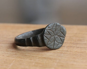 Authentic Vikings bronze ring .Wearable condition. Beautiful ring amulet, US size approx. 9 1/2 ring#32