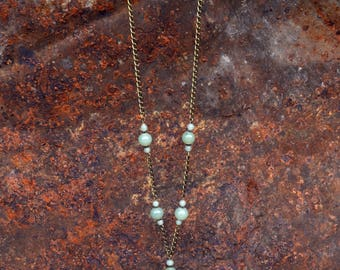 Grizel - Necklace with jade green glass beads