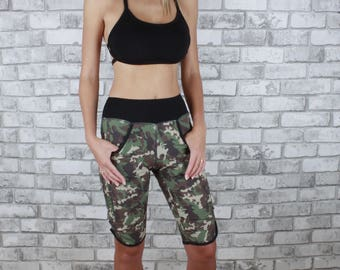Light weight knee length short with two-pockets - Sylvia