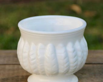 Milk Glass Planter - Vintage Feather Planter - Feather Planter - Boho Planter - Vintage Milk Glass Planter - Vintage White Feather Planter