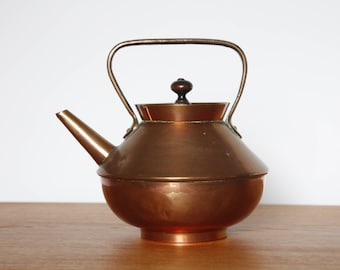 Vintage Copper Kettle, Charming Design, Very Decorative