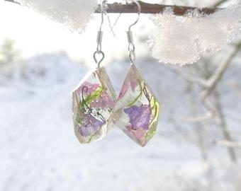 Florarium polyhedra asymmetrical earrings,Limonium,real flowers earrings,real moss,resin,resin earrings,Diorama,moss jewelry,flower jewelry