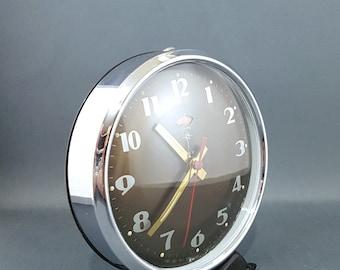 Working alarm clock / Wind-up clock / Chinese alarm clock /Mechanical alarm clock / Old alarm clock / Desk alarm clock / DIAMOND.