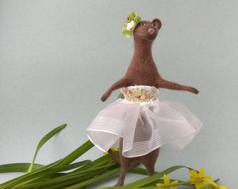 Dancing Mouse Rat, Felt doll for home decor, Fantasy figurine, Gift for all occasions, White dress, Pink flower, Beadwork, Mouse collection