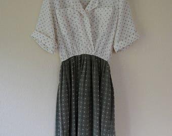 Vintage Damon II White and Green Surplice Collared Dress Size Medium