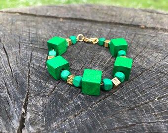 Woodz bracelet | Colors Green & Gold, Wooden cubes
