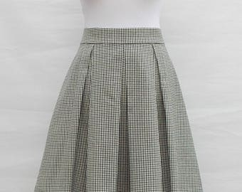 Box pleat checked skirt