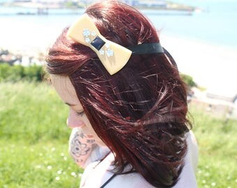 Girly 3D customized print hand - gold and Silver Bow