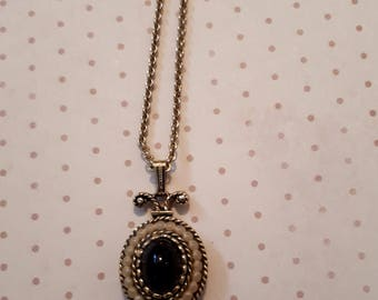 1970's  petite black cabochon necklace