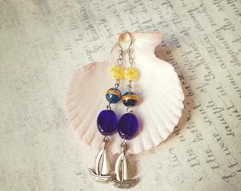 Dark blue glass sea lampwork earring Elegant Shape white yellow daisies woman Sea jewelry nautical beach sailboat earrings daughters gift