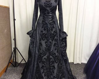 Old fashioned gothic dresses