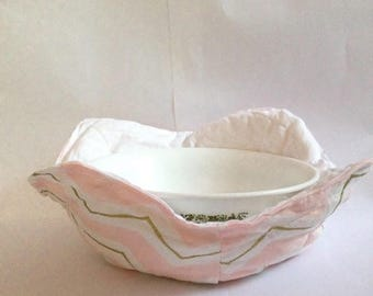 Microwave Bowl Cozy- Pink, White, and Gold Chevron Pattern