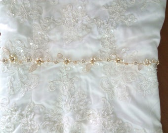 Thin Bridal sash, Thin Bridal belt Thin Wedding belt, Pearl Bridal Belt, Pearl Bridal sash Gold Bridal Sash Gold Bridal belt Leaf Belt Layla