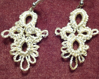 "Hand-Tatted Earrings ""Golden Holiday"" – Romantic, Bridal, Vintage, Retro, Wedding, Antique, Aristocratic, Gothic"