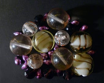 30 Indian and white, pink, purple Czech glass beads