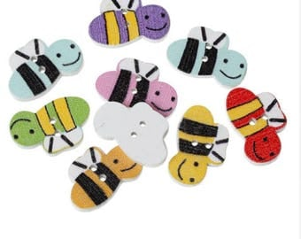 Set of 10 wooden bee buttons