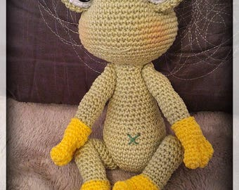 Lily the flirtatious frog crochet