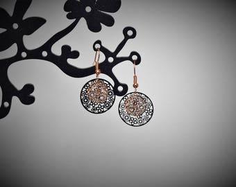 Earrings black and golden light