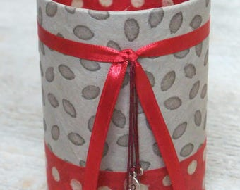 Pencil holder (number 84) Red & taupe