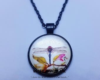 Beautiful Dragonfly Charm Pendant Necklace