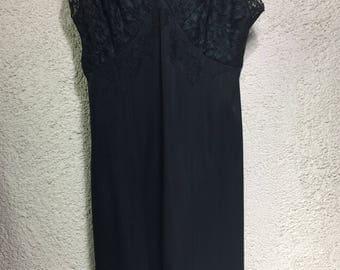 Black slip size 32