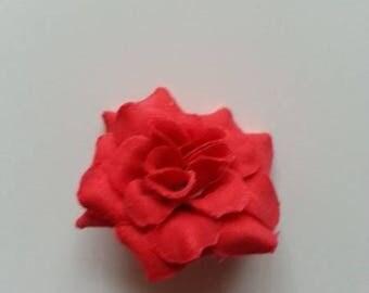 fleur  en tissu rouge 50mm