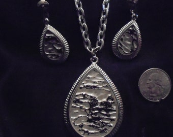 Vintage Sarah Coventry Tranquility Silver tone Teardrop Pendant and Earrings