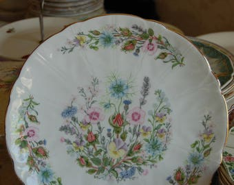 Aynsley Tudor Plate with scalloped edges