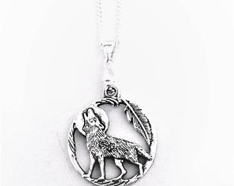Wolf Necklace (925 silver plated)