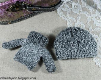 Turtleneck sweater for Blythe and matching wool hat