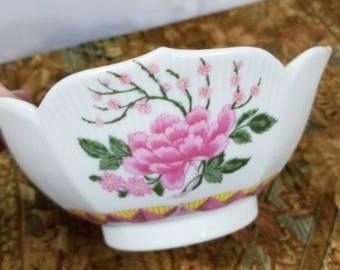 Mingei Japan Porcelain Bowl Handcrafted Pink Flowers
