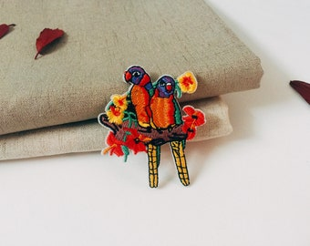 a couple of parrots patch-iron on patch -bird patch -embroidered -gorgeous-diy-applique-for jacket
