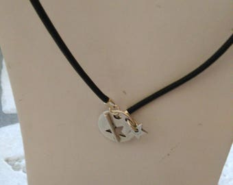 Necklace leather with toggle clasp