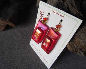 Beautiful earrings in fused glass red iridescent with inclusion