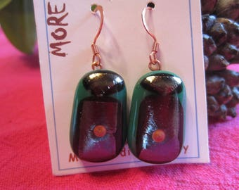 Bronze leaf earrings in black and green glass with inclusion