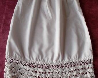 Magnificent underskirt vintage lace 19 cm