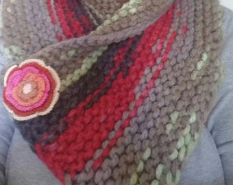 Handknitted Cowl with Chunky yarn
