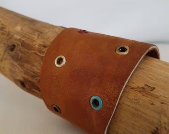 Women genuine leather Cuff Bracelet made by hand-women's leather cuff bracelet