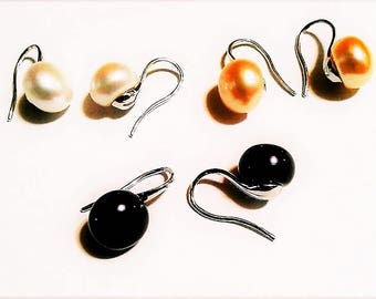 Cultured Tahitian Dark South Sea Pearl Earrings set in .925 Sterling Silver