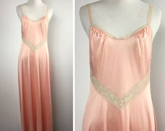Peach Lace Nightgown - Long Flowy Flared Gown - Sexy Sleepwear - Melon Color, Off-White Beige Lace Straps - Vintage 70s Vanity Fair Nylon