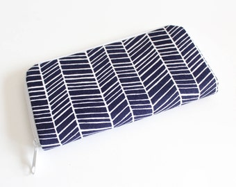 Womens zip around wallet / Checkbook Cell Phone Passport Credit Card Wallet / Accordian wallet / Navy and white herringbone