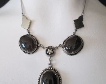 Triple polished lace Agate accented and silver chain necklace