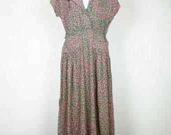 Vintage Pink Green Leaf Print Rayon Day Dress Misses S 40s