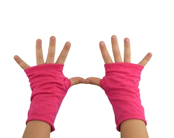 Kids Arm Warmers in Bright Fuchsia - Hot Pink - Fingerless Gloves
