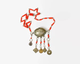 Vintage 70s Ethnic NECKLACE / 1970s Silver Tribal Coral Beaded Bohemian Necklace